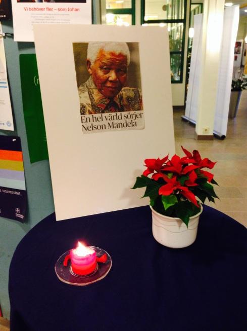 (Ej X&Y-Axel) Åva hedrar Nelson Mandela
